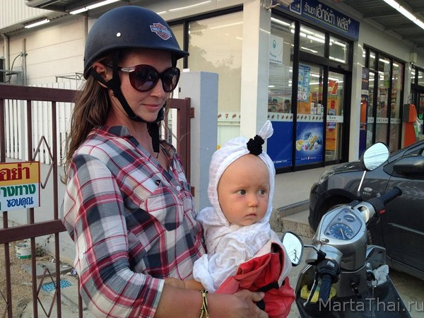 helmets_bikes_thailand