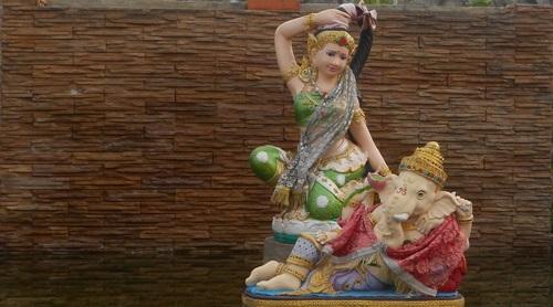 Богиня Земли в буддизме