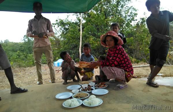 Обряды буддизма: поминки в Камбодже
