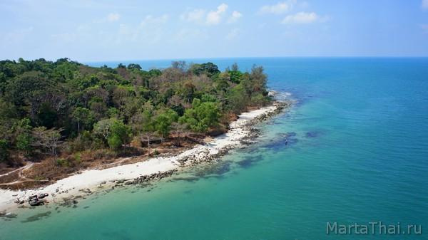 Змеиный остров в Сиануквиле, мост